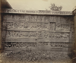 Ruins of Vijianuggur [Vijayanagara] near Calamapoor [Kamalapuram]. A small ruined temple called the Volkonda [Ramachandra Temple]. Carvings on the outside of enclosure wall.